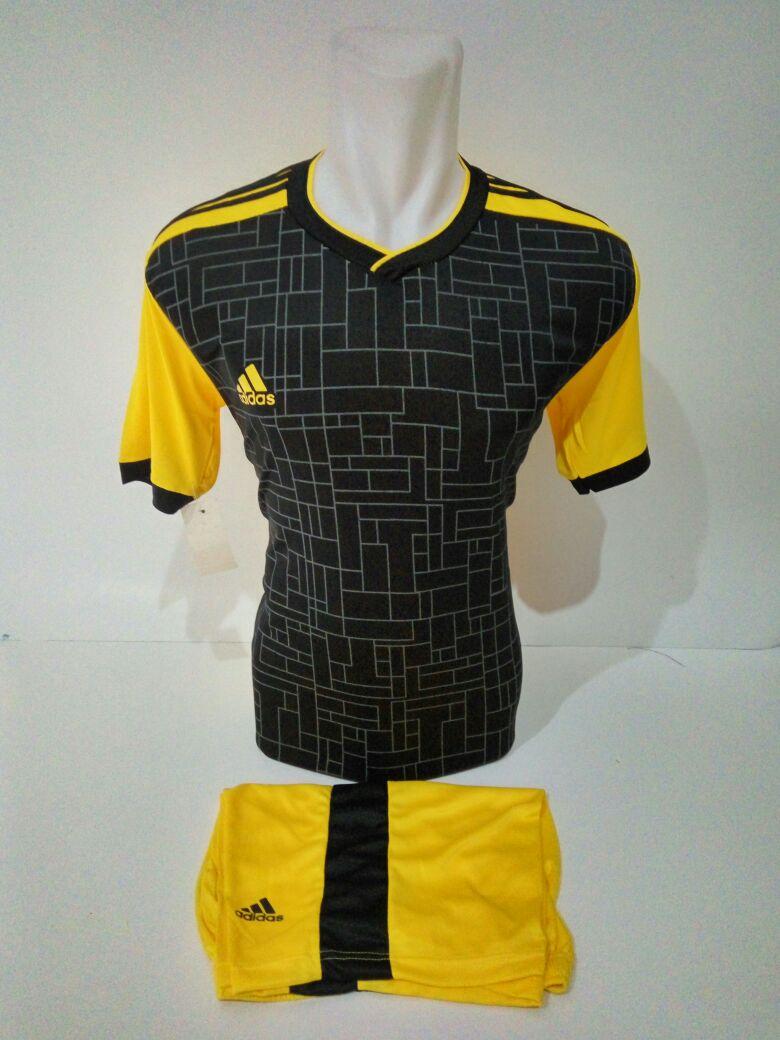 Setelan Futsal Adidas Motif Kotak Kuning