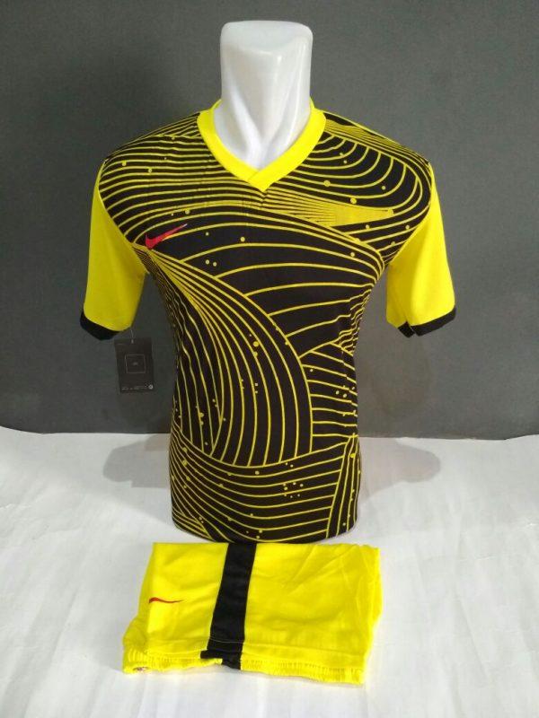 Setelan Futsal Nike Lengkung Hitam Kuning