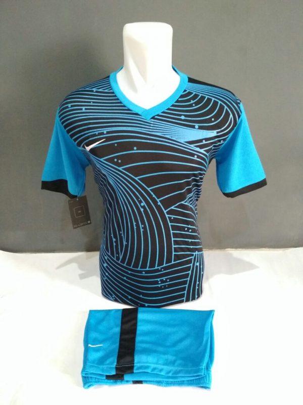 Setelan-Futsal-Nike-Biru-Lengkung