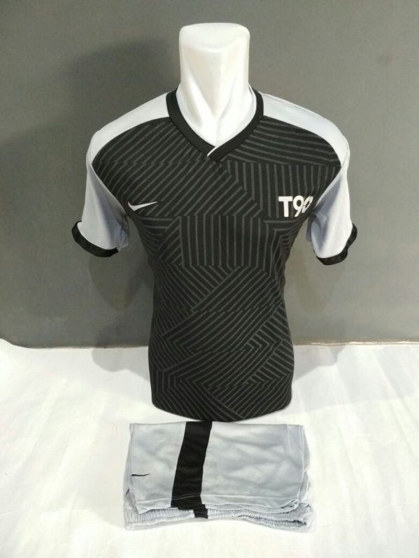 Setelan-Futsal-Nike-t90-Hitam-abu2